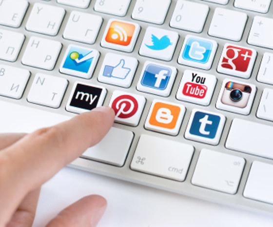 aggregating social content